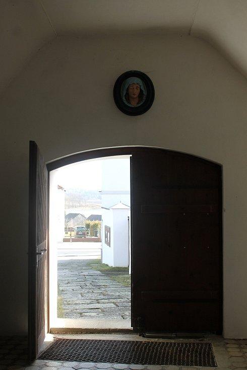 Kostel sv. archanděla Michaela ve Všerubech se dočká opravy.