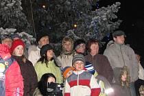 Slavnostní rozsvícení vánočního stromu ve Staňkově.