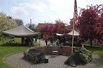Vojenský kemp v zahradě Chodského hradu