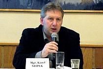 Karel Štípek. Zastupitel a předseda Výboru školství, mládeže a sportu.