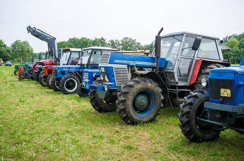 Traktoriáda v Sedlicích u Zahořan.