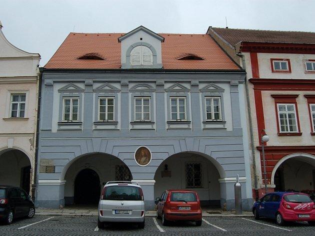 Měšťanský dům v Domažlicích, náměstí Míru 136