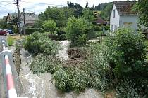 Voda nadělala škodu v Chocomyšli.