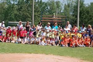 Finálový turnaj letošního Turnaje školek v baseballu v Domažlicích.