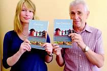 PRŮVODCE ČERCHOV JE VŽDY CÍLEM představil jeho autor Karl Reitmeier a překladatelka Jindřiška Štemberová.