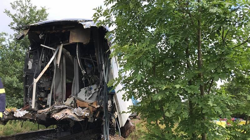 U Milavče na Domažlicku se srazily dva vlaky, desítky zraněných, dva mrtví
