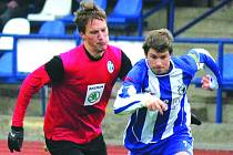 Jaroslav Kovařík v modrobílém dresu Jiskry v utkání s FK Mladá Boleslav B.