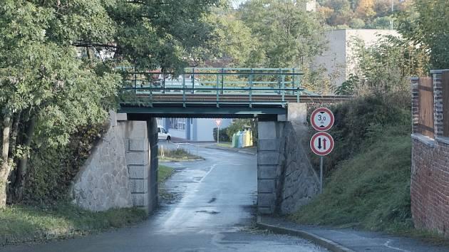 Most na Milotově.