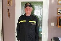 Jiří Kliment nám zapózoval také v hasičské uniformě.