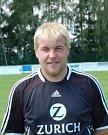 Fotbalista Jakub Ferra (v tmavém).