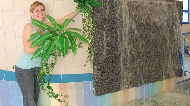 Poslední přípravy před nedělním otevřením Dětského světa v domažlickém plaveckém bazénu.