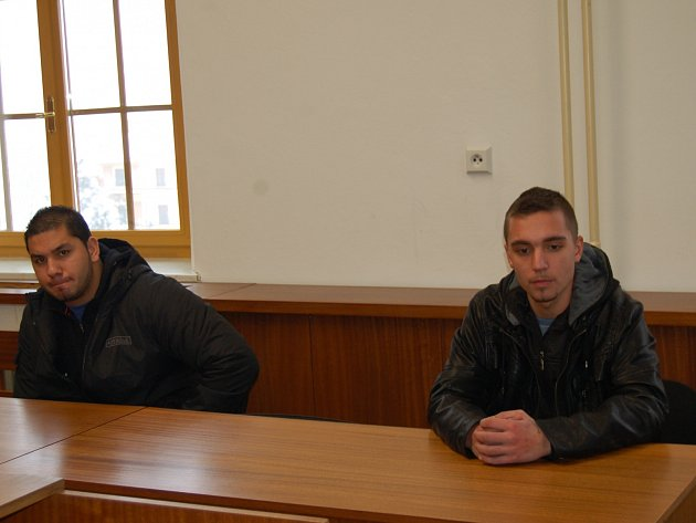 Arnošt Balog (vlevo) a Jakub Domín při lednovém jednání soudu.