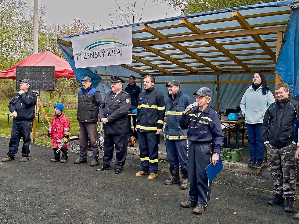 Pocinovickým závodem malí hasiči zahájili svoji Chodskou ligu.