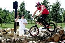 Týnští cyklotrialisté v akci.