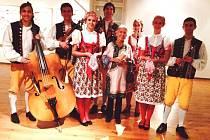 Bulácí zazpívali na Kampě Medě Mládkové k pětadevadesátinám.