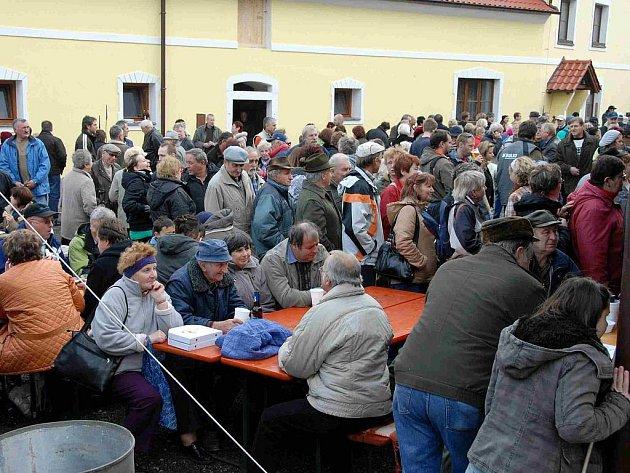Martinský trh v Horní Kamenici.