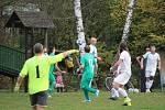 Sokol Babylon (v bílém) - Sokol Luženice (v zeleném) 0:1 (0:1).