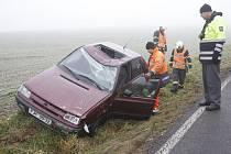 Nehoda v Týnských hájích u odbočky na Jeníkovice.