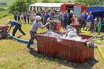 Hasičská soutěž v Loučimi. Soutěžili hasiči 10. okrsku.