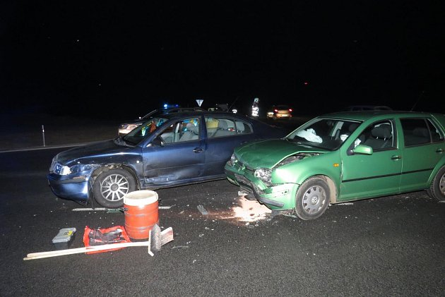 nehoda na křižovatce na obchvatu Staňkova.