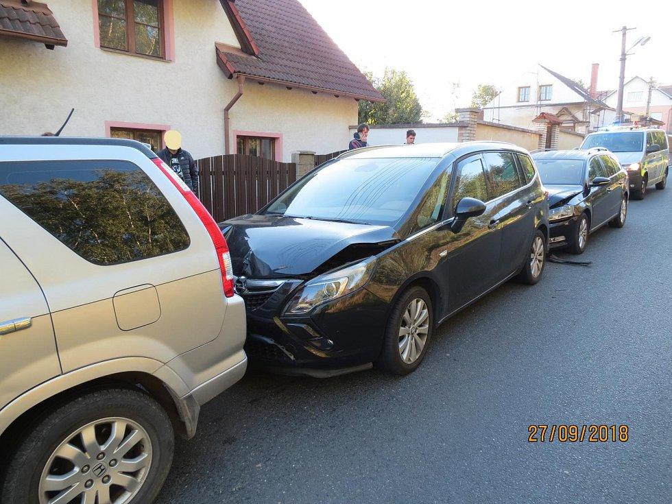 V Horšovském Týně došlo ke střetu tří vozidel.