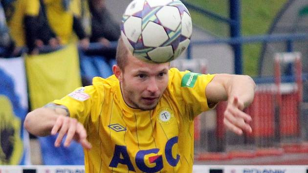 První zápas osmifinále Poháru České pošty mezi Jiskrou Domažlice a FK Teplice.