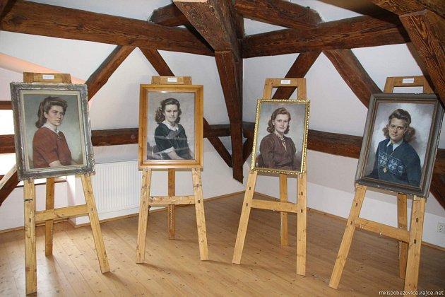 Do konce dubna vystavuje v domažlické Galerii bratří Špillarů své obrazy bavorský malíř Alois Öllinger.
