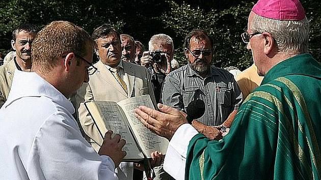 Biskup František Radkovský vyzval při Horské mši na Čerchově věřící z Čech i Bavorska k účasti na setkání s papežem ve Staré Boleslavy.