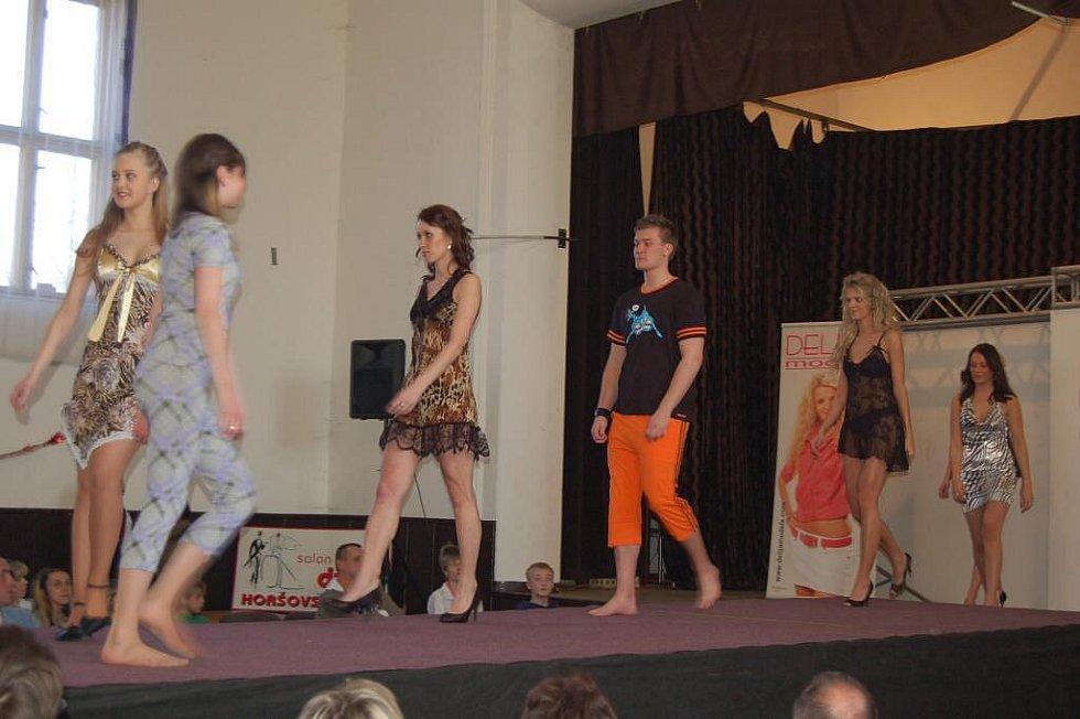 Módní show v Bělé nad Radbuzou.