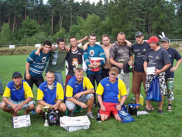 Úspěšné týmy si z 11. kola Západočeské hasičské ligy odvezly poháry, diplomy a věcné ceny.
