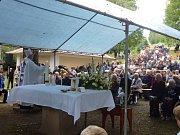 Na pouť k Dobré Vodě zavítaly stovky poutníků.