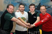 Účastníci Domažlické bowlingové ligy, tým H + H.