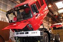 Nová automobilová stříkačka Tatra, kterou dostanou domažličtí dobrovolní hasiči.