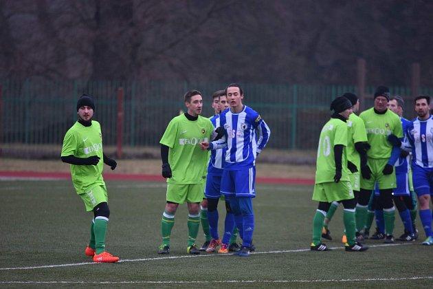 POHÁR PKFS. V zeleném dresu Meclova zleva Vojtěch  Kafka a Milan Obdržálek, kteří již v minulosti hrály v Domažlicích.