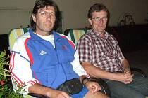Domažlický ultravytrvalec a chodec Roman Psůtka dokončil ´osmadvacetihodinovku´ve francouzském Roubaix v novém osobním rekordu. K výsledku mu pomohl i Rudolf Vančura, který mu dělal doprovod.