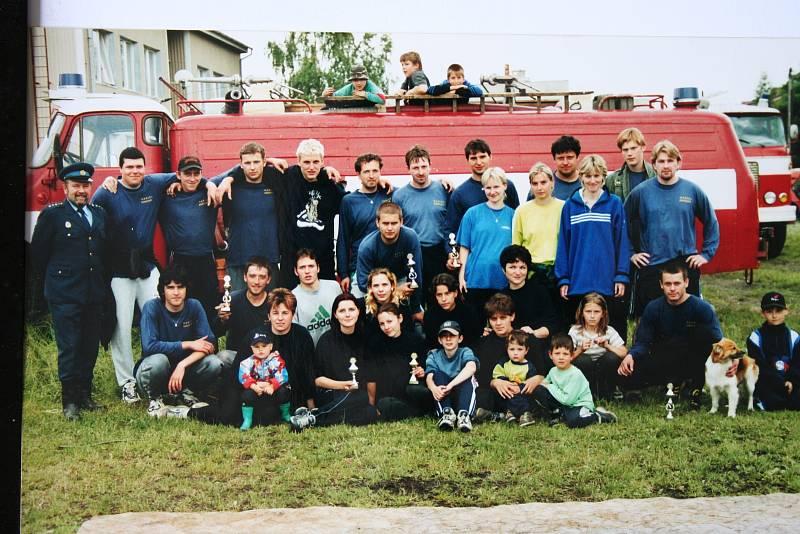Nejvíce historických snímků je spojených s tamějším sborem dobrovolných hasičů.