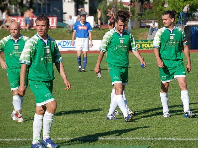 Domažličtí fotbalisté Jiří Šámal, Vojta Mifek, Martin Šot, Pavel Váchal a Michal Tesař (zleva)
