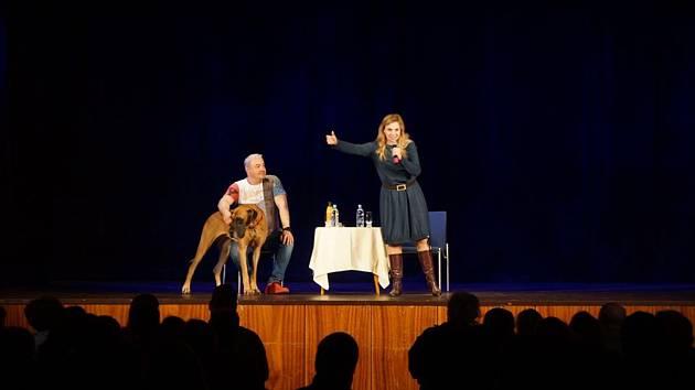 Zábavná talkshow se konala v Domažlicích.