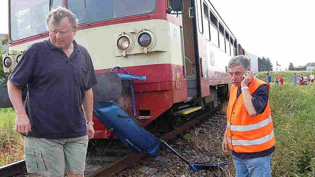 Strojvůdci Blažeji Slachovi vjel před vlak už třetí řidič v jeho kariéře. Jaroslav Kliment , který k nehodě přijel, rozhodl, že vlak musejí nejdříve prohlédnout, než znovu poveze lidi.