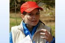 Kamila Angelovová při poslední vycházce po pašeráckých stezkách kolem Lískové.