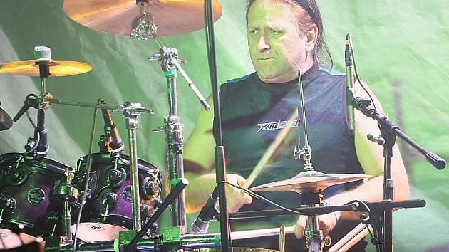 Milan Peroutka, bubeník Olympicu.