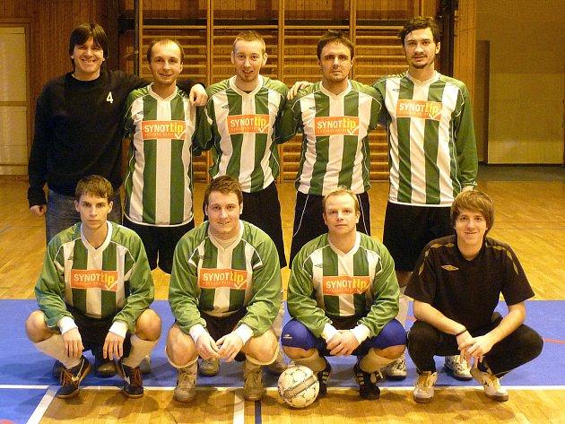Futsalisté Ajaxu Staňkov s Mírou Vachtlem.
