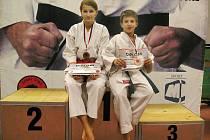 Na stupních vítězů nejlepší závodnice kdyňského oddílu Zuzana Šimáčková a domažlického oddílu Pavel Poláček.