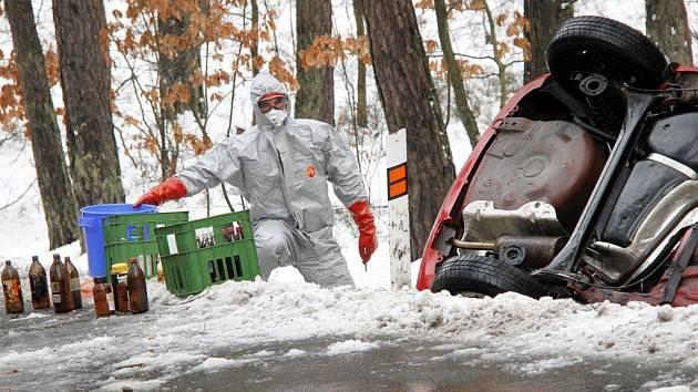 U nehody tehdy byli i odborníci z  hasičské laboratoře z Třemošné.