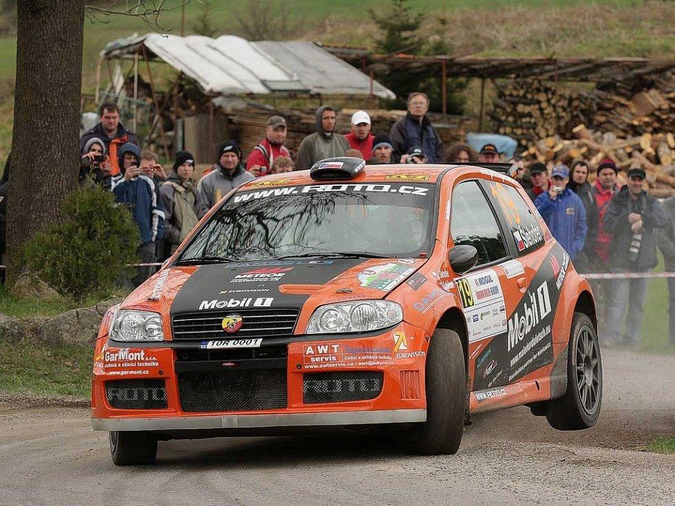 Jan Šlehofer a Zbyněk Soběhart na trati 44. ročníku Mogul Šumava Rallye.