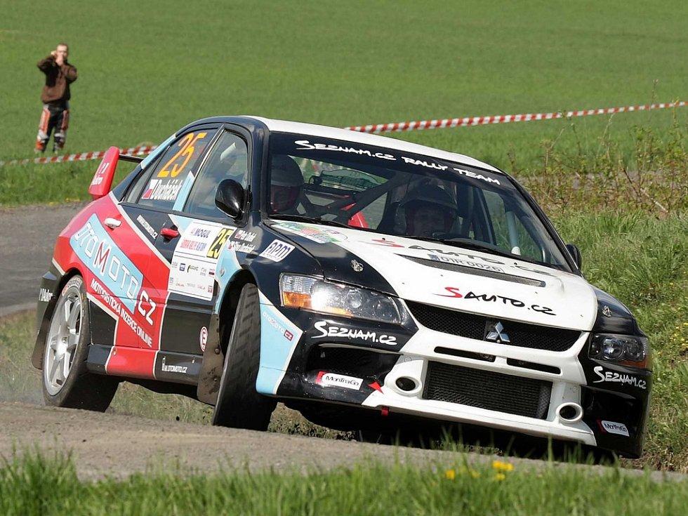 Sláva Ducháček a Petr Dufek na trati 44. ročníku Mogul Šumava Rallye.
