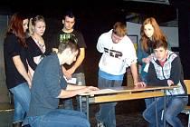 DRAMATICKÉ DĚJINY FOLMAVY jsou námětem chystaného dvojjazyčného studentského představení.