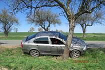 Škoda na havarovaném vozidle Škoda Octavia byla vyčíslena policií na částku 70 tisíc korun.