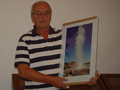 Ladislav Lešický vystavuje snímky z Islandu.