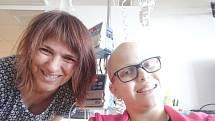 Sára z Holýšova je bojovnice, ale už se moc těší, až bude zase zdravá.